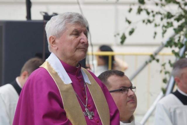 Biskup Edward Janiak zachęca do udziału w mszach świętych i korzystania z sakramentu pokuty