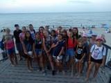 Uczniowie bawili się nad morzem. W nagrodę za bardzo dobre wyniki w nauce i działalność na rzecz szkoły. Zorganizowano aż trzy turnusy