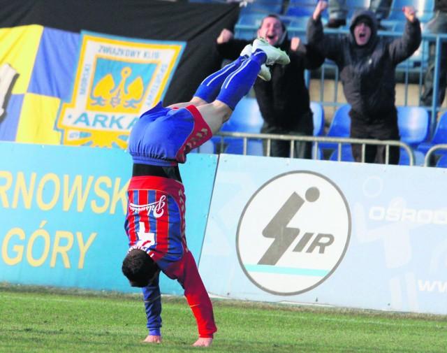 Łukasz Tymiński popisał  się gimnastycznymi umiejętnościami