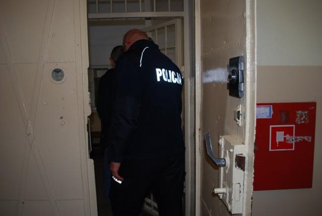 Dwóch obywateli Ukrainy zatrzymali ostatnio policjanci z Rzeszowa. Są podejrzani o oszustwa na Blika