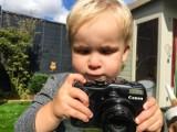 Jak wygląda świat z perspektywy dziecka? Oto zdjęcia 19-miesięcznego fotografa