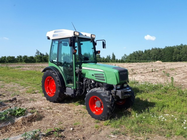 Ciągnik rolniczy firmy Fendt został skradziony pod Grójcem.