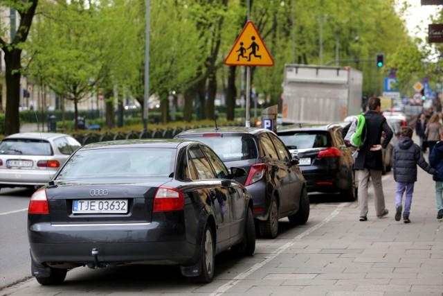 Od lipca zniknie wiele miejsc parkingowych