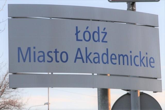 Łódź nie ma żadnego kierunku, który jest najlepszy w swojej kategorii do studiowania. Jedynie kosmetologia naszego Uniwersytetu Medycznego znalazła się na drugim miejscu w Polsce, bo wyżej ocenianą ma Uniwersytet Jagielloński. Poza tym każda z wielkich łódzkich uczelni umieściła swoich przedstawicieli na miejscach trzecich. Kto dokonał tej oceny? Jak wypadły łódzkie kierunki najczęściej wybierane przez kandydatów?   >>> Czytaj dalej przy kolejnej ilustracji >>>