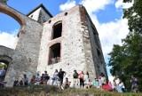 Nowe linie turystyczne ruszą w weekend z Krakowa  i Krzeszowic do sanktuarium w Czernej i zamku Tenczyn w Rudnie
