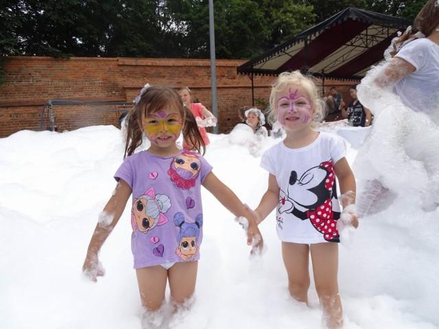 W Osadzie Rycerskiej w Chełmnie na dzieci czekało wiele atrakcji przygotowanych tym razem przez Zgromadzenie Sióstr Miłosierdzia bożego św. Wincentego a Paulo w Chełmnie
