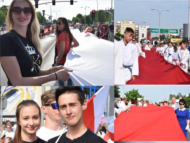 Święto Flagi w Jastrzębiu, przemarsz mieszkańców