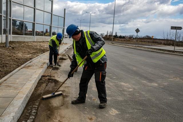 Trwa rozbudowa ul. Igołomskiej. Zakończenie prac planowane jest za rok, w marcu 2022 r.
