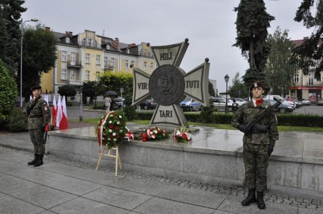 Uroczystości w 77. rocznicę wybuchu Powstania Warszawskiego na placu Kościuszki w Oświęcimiu