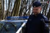 Obywatel Stanów Zjednoczonych zgubił się w Żorach. Pomógł mu policjant