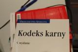 Bezpłatne porady prawne i mediacje w Krakowie. Rejestrować można się telefonicznie bądź online
