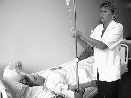 Decyzja siemianowickich radnych to być albo nie być dla miejskiej służby zdrowia. Foto: MAGDALENA CHAŁUPKA