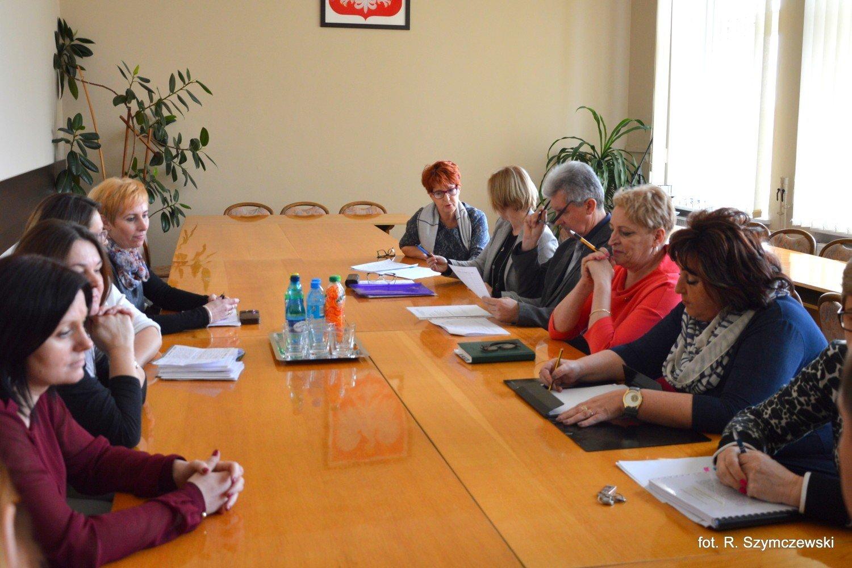 97c12beb1ab2 Sławno  Nauczyciele Gimnazjum Miejskiego nr 1 poszli do burmistrza  ZDJĘCIA