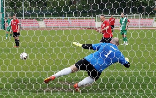 W taki sposób Szymon Maziarz otworzył wynik meczu w Inowrocławiu