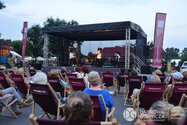 Koncert Kroke nad jeziorem Pogoria III w Dąbrowie Górniczej  Zobacz kolejne zdjęcia/plansze. Przesuwaj zdjęcia w prawo - naciśnij strzałkę lub przycisk NASTĘPNE