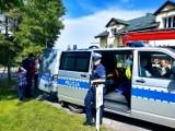Sztumscy policjanci z wizytą na festynie dla ośrodka szkolno - wychowawczego w Uśnicach