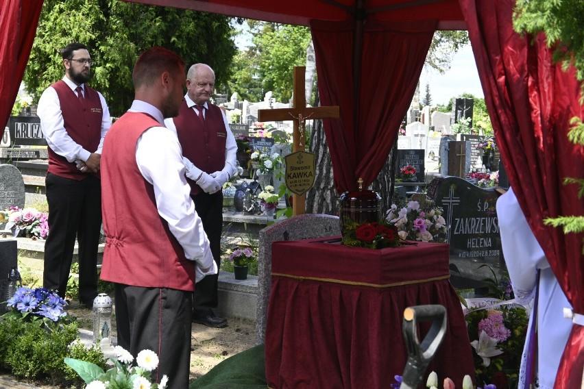 Urnę z prochami Sławomira Kawki złożono w grobie na...