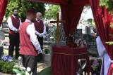 Świecie pożegnało Sławomira Kawkę. Zobacz zdjęcia z pogrzebu lokalnego artysty