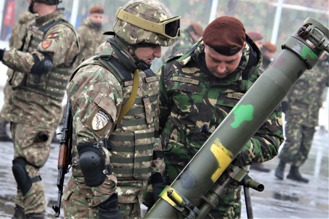 """Żołnierze """"siedemnastej"""" są trzonem tzw. kompanii manewrowej, która tworzy piątą zmianę Polskiego Kontyngentu Wojskowego Rumunia"""