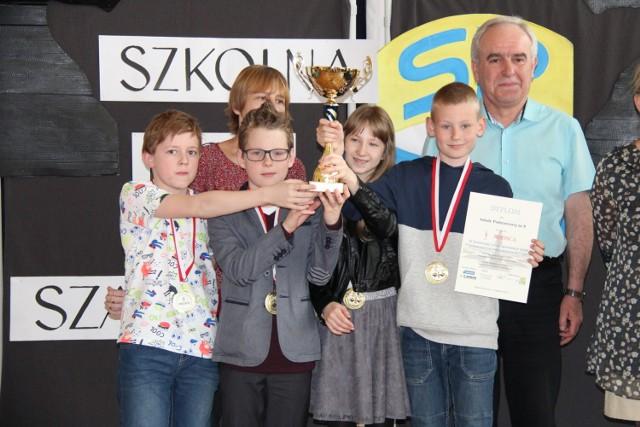 Szachowa Liga Szkolna Dąbrowskich Szkół Podstawowych: finał w SP 18