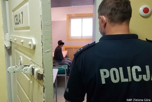 41-letni mieszkaniec gminy Sulechów i 30-latek z terenu gminy Trzebiechów posiadali przy sobie metamfetaminę, a w domu także marihuanę, amfetaminę i sadzonki konopi.