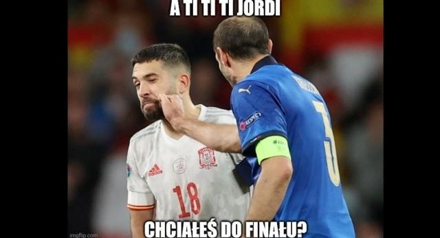 Euro 2020. Włochy po raz pierwszy od 2012 roku zagrają w wielkim finale europejskiego turnieju. Wtorkowy półfinał z Hiszpanią przeciągnął się niemal do północy. Ostatecznie w rzutach karnych to Jorginho zdobył decydującą bramkę, więc w niedzielę Italia zawalczy o drugie trofeum w historii. Zobaczcie, czym podczas spotkania żyli internauci - oto najlepsze memy.