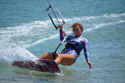 Zaplanuj szalone wakacje. Sprawdź TOP 12 sportów wodnych, które musisz przetestować w czasie urlopu