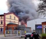 Pożar w Dąbrowie Górniczej. Płonęła hala magazynowa