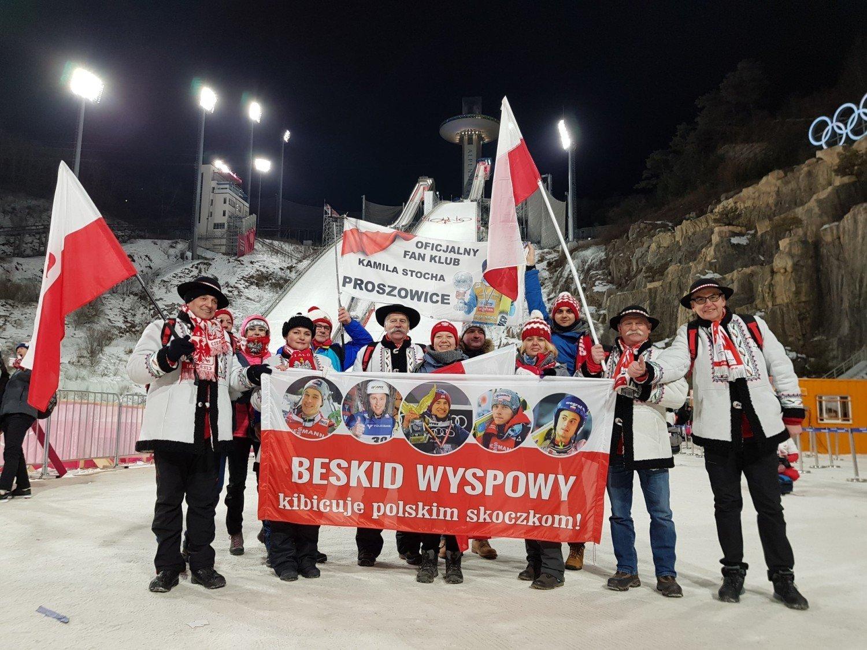 Górale z Beskidu Wyspowego kibicują Polakom na Olimpiadzie w