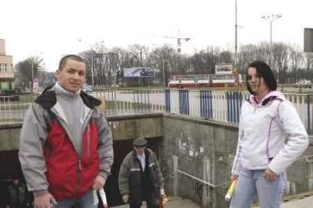 Bartosz Domagała i Beata Musiał uważają, że przebudowa przejścia jest konieczna.