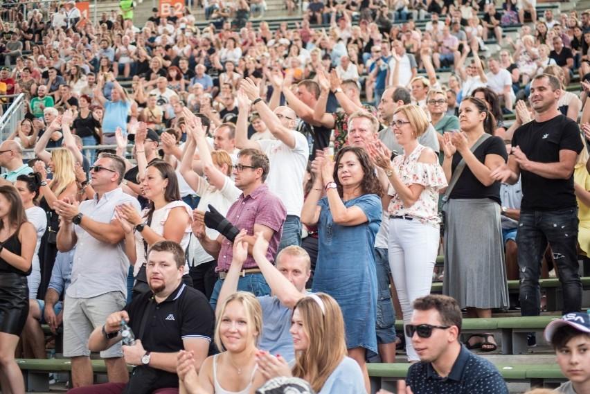Jubileuszowy koncert zespołu Lady Pank rozkołysał widownią...