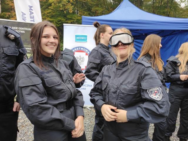 W II Liceum Ogólnokształcącym w Bochni działa klasa mundurowa o specjalności policyjnej. Obecnie w trzech oddziałach kształci się 76 uczniów