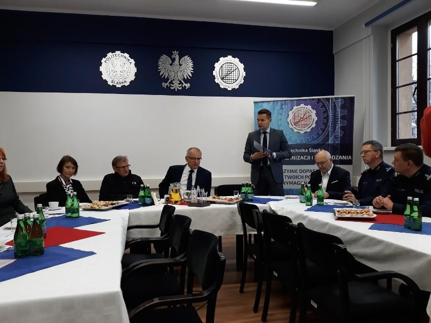 """W Zabrzu odbyła się konferencja pt. """"Wolność od... Wolność do"""". Gościem specjalnym był Jerzy Górski"""