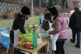 Świąteczne Świętochłowice: 1000 porcji zupy dla osób potrzebujących i samotnych. Tak akcja Urzędu Miejskiego i Fundacji Wolne Miejsce