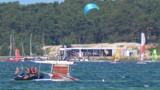Zatoka Pucka: na wysokości Jastarni przewrócił się katamaran. Z pomocą ruszyła straż graniczna | NADMORSKA KRONIKA POLICYJNA