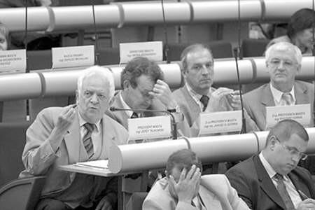 Prezydent Jerzy Talkowski (z lewej) w zasadzie podjął decyzję, ale... nie do końca. Olgierd Górny