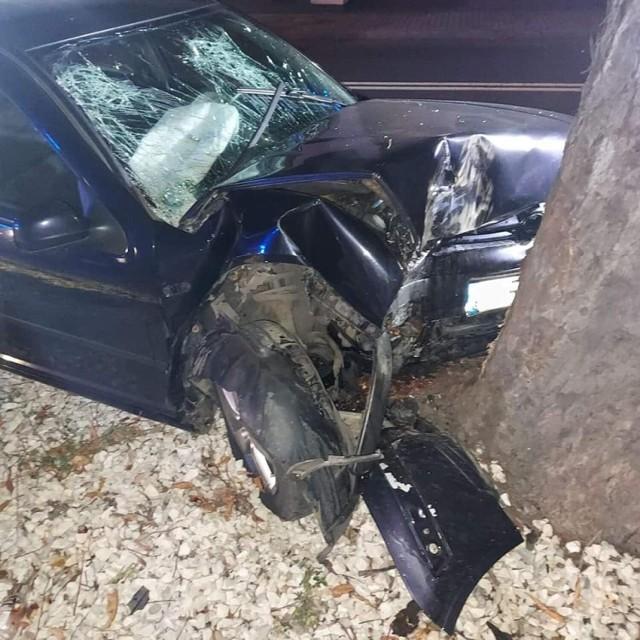 Wypadek w Witkowie. Jedna osoba była nieprzytomna