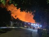 Pożar zabudowań gospodarczych w Nowej Wsi Zamek [Zdjęcia]