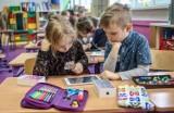 Elektroniczna edukacja. Dzieci zamieniły książki na tablety. Na chwilę? [ZDJĘCIA]
