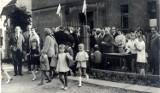 To wyjątkowa podróż w czasie. Czym żył Pleszew i pleszewianie w czasach PRL-u. Zobaczcie archiwalne zdjęcia!