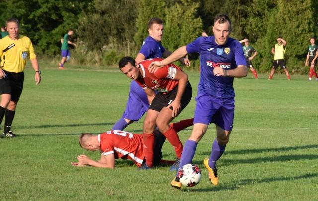 Michał Kowalik (z piłką) nie jest już zainteresowany grą w MKS Trzebinia