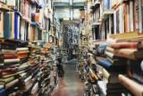 Wielka wyprzedaż książek w Warszawie. Tutaj najdroższe pozycje kupicie za 5 zł!