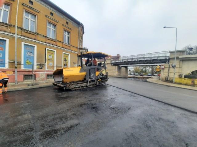 Po wznowieniu ruchu na skrzyżowaniu wciąż będzie zamknięty wjazd w ul. Nadbrzeżną.