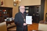 Dyspensa od uczestnictwa w niedzielnej mszy św. odwołana. Nowy dekret biskupa opolskiego