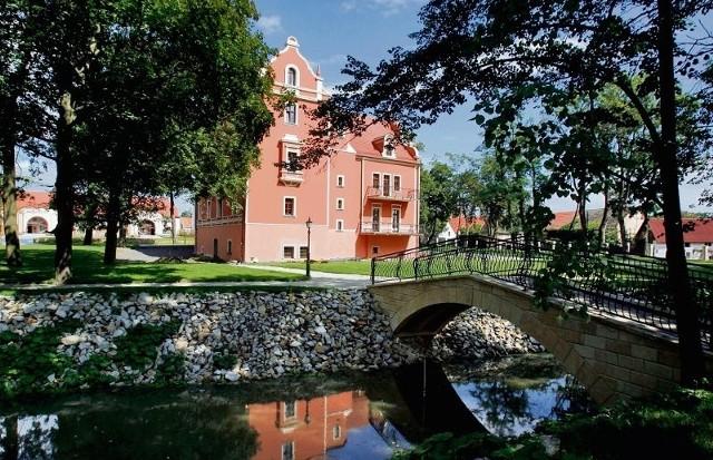 Pałac w Krotoszycach zaczyna właśnie drugie życie. Znów robi się tu tak pięknie, jak w siedemnastym wieku