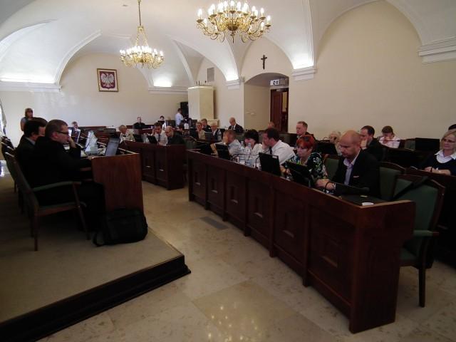 Minęły dwa lata kadencji - oceniamy poznańskich radnych