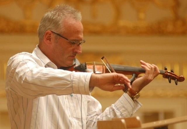 """Krzesimir Dębski skomponował muzykę i zagrał epizod w """"Bitwie Warszawskiej 1920""""."""