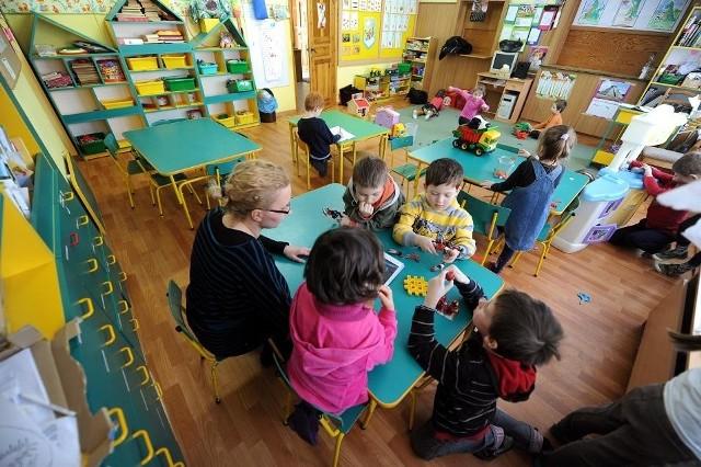 Miejsc w przedszkolach jest mniej, niż chętnych
