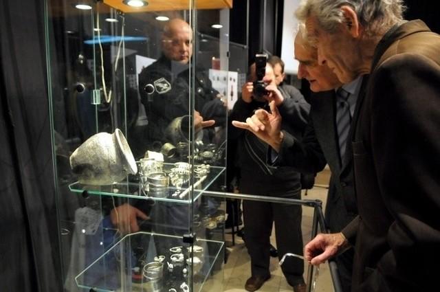 14 grudnia 2011 skarby z Czermna zaprezentowano na UMCS