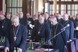Biskupi z całej Polski przyjechali do Wrocławia (ZDJĘCIA)